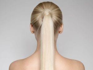 Provoca dolor en el cuero cabelludo