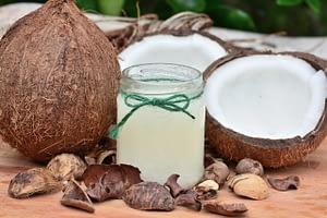El aceite de coco ayuda a broncearse
