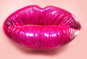 Crema volumizante para los labios regordetes