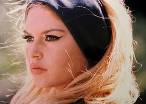 Ojo de gato Brigitte Bardot