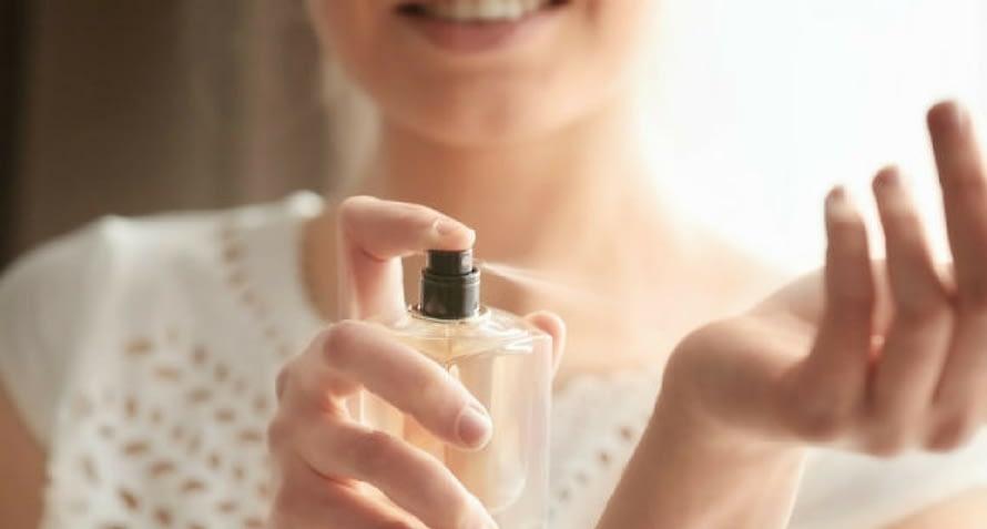 Cómo probar un perfume?  Aquí la mini guía